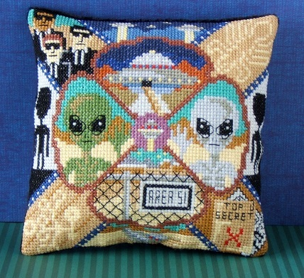 Aliens_UFOs_Mini_Cushion_Cross_Stitch_Kit