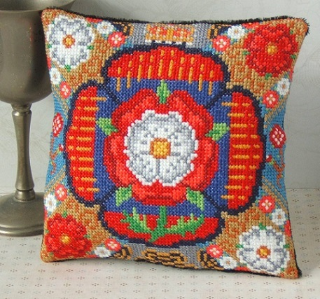 Tudor_Roses_Mini_Cushion_Cross_Stitch_Kit