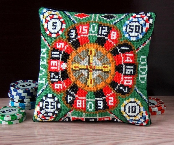 Roulette_Mini_Cushion_Cross_Stitch_Kit