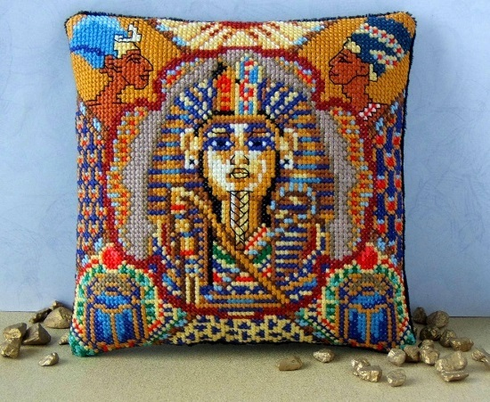 Tutankhamun_Mini_Cushion_Cross_Stitch_Kit