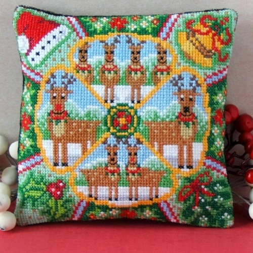 Christmas_Reindeer_Mini_Cushion_Cross_Stitch_Kit