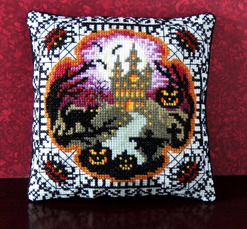 Halloween_House_on_the_Hill_Cross_Stitch_Kit