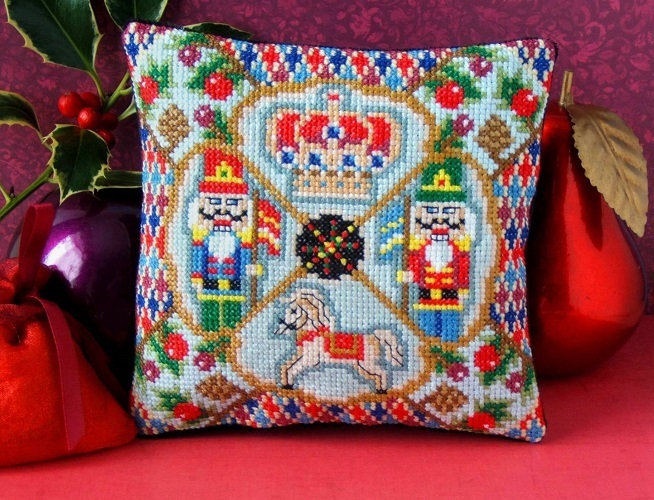 A_Regal_Christmas_Cross_Stitch_Kit