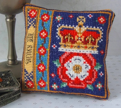 Henry_VIII_Badge_cross_stitch_Kit