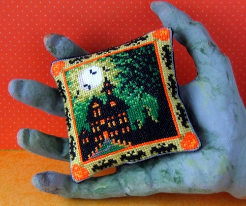 Halloween_House_Pincushion_Cross_Stitch_Kit