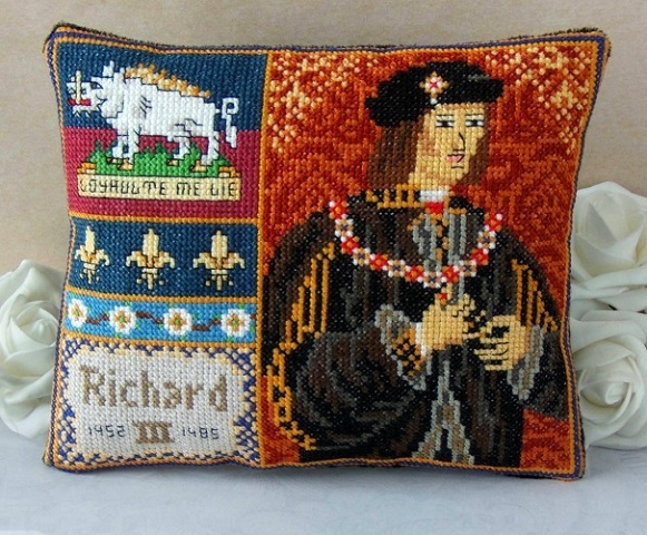Richard_III_Portrait_Mini_Cushion_Cross_Stitch_Kit