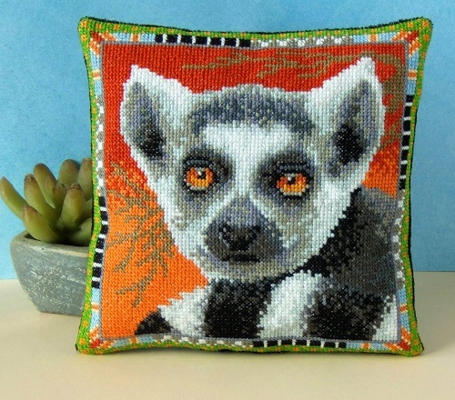Lemur_Cross_Stitch_Kit